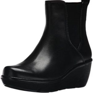Clarks Women's Ankle Boots Surf Zip Leather
